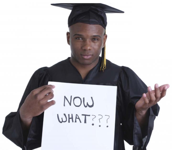 Setelah Lulus, S2 Dulu atau Kerja Dulu? Kenapa Bagi Saya Kerja Lebih Penting