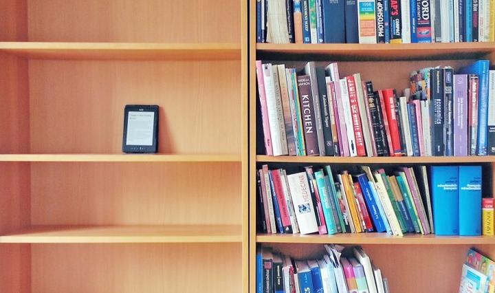 Pro Kontra Buku Cetak Vs Buku Digital Rencanamu