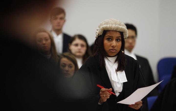 5 Hal yang Harus Kamu Tahu Sebelum Siap Menjadi Mahasiswa Jurusan Ilmu Hukum