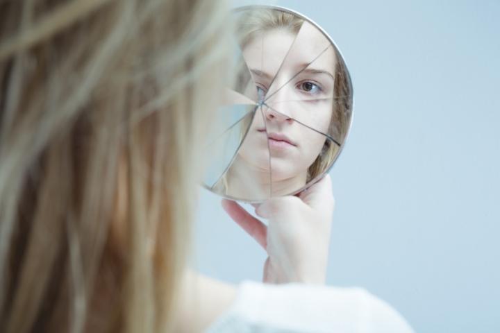 10 Jenis Gangguan Kepribadian yang Mungkin Nggak Kamu Tahu