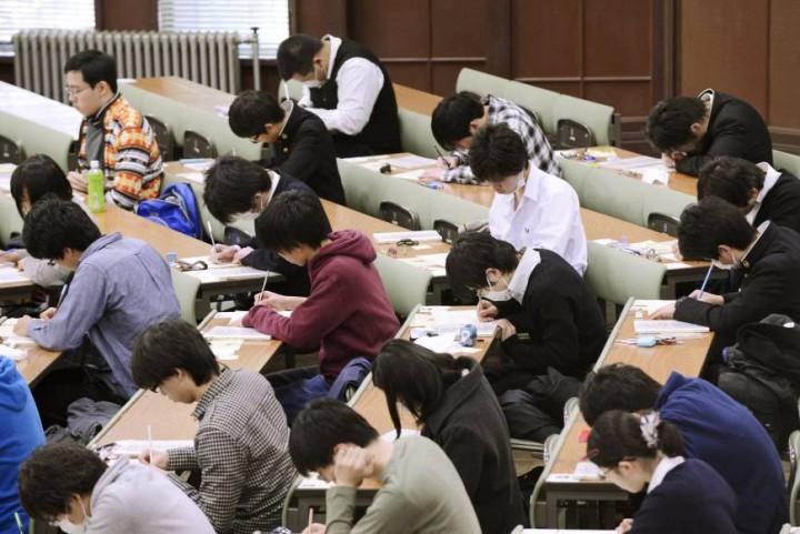 Nggak Cuma SBMPTN, Ini Dia 5 Ujian Masuk Perguruan Tinggi di Berbagai Penjuru Dunia!