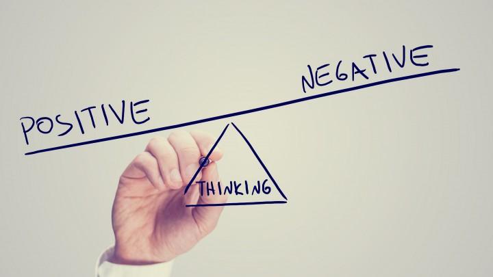 Sering Merasa Rendah Diri? Ini Dia Cara Untuk Menghentikan Pikiran Negatif Agar Kamu Nggak Lama-Lama Nge-Down!