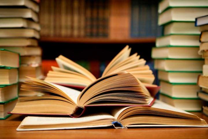 8 Program Studi Ini Cocok Untuk Kamu Yang Hobi Baca