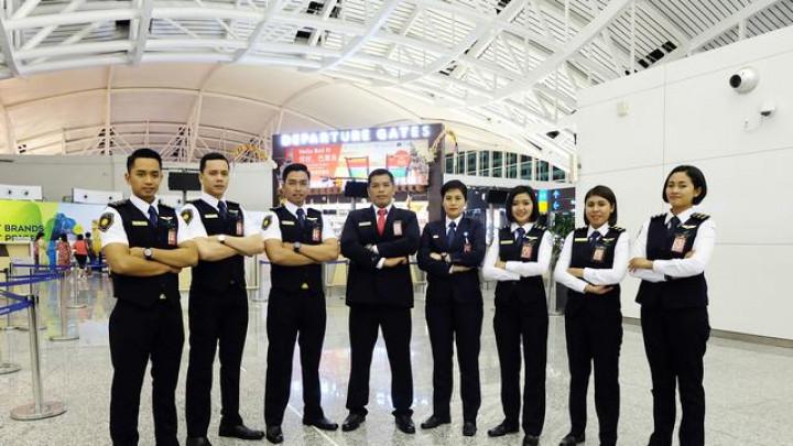 5 Profesi Yang Ada Di Bandara Selain Pilot Dan Pramugari Rencanamu