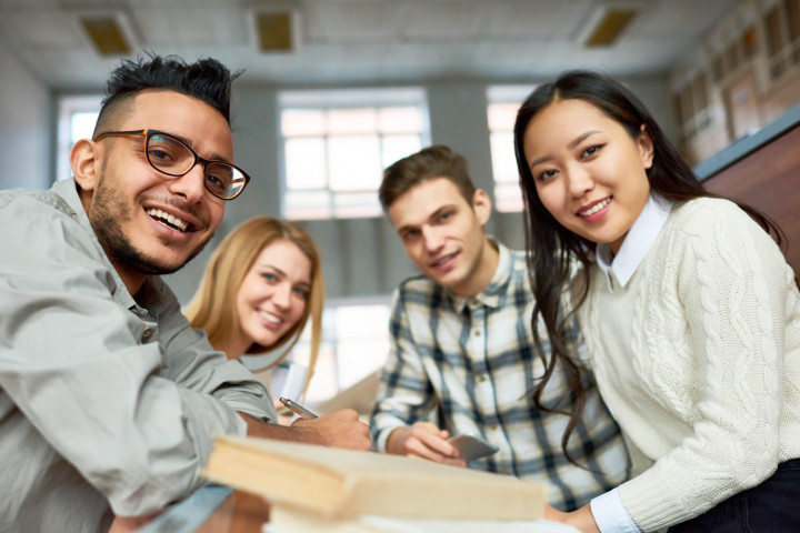 Realita Jurusan Kuliah yang Sering Dianggap Gampang Padahal Aslinya Sibuk Banget