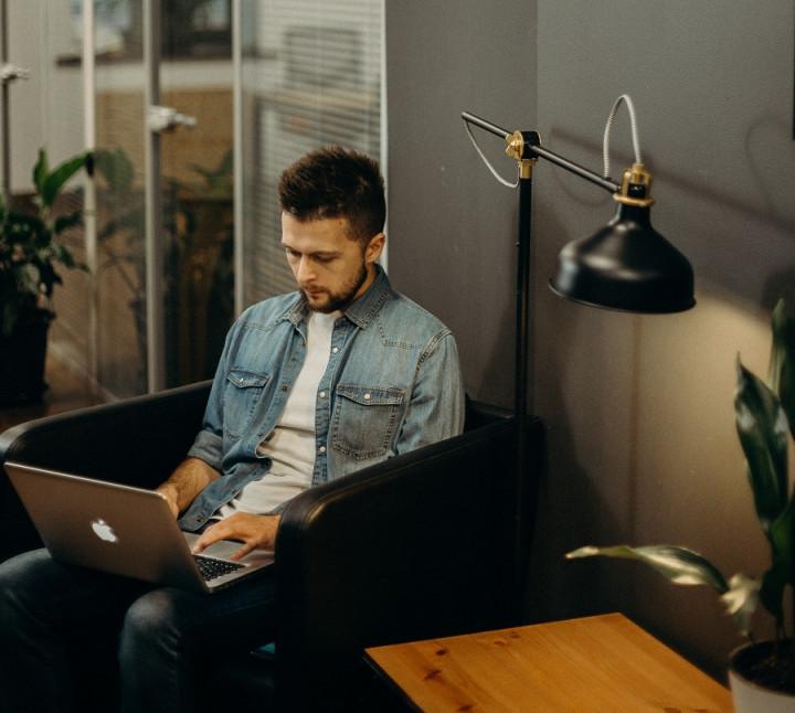 Plus Minus Studi di Jurusan Bisnis Digital