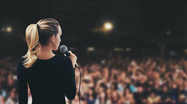6 Alasan Kenapa Kamu Harus Belajar Public speaking!