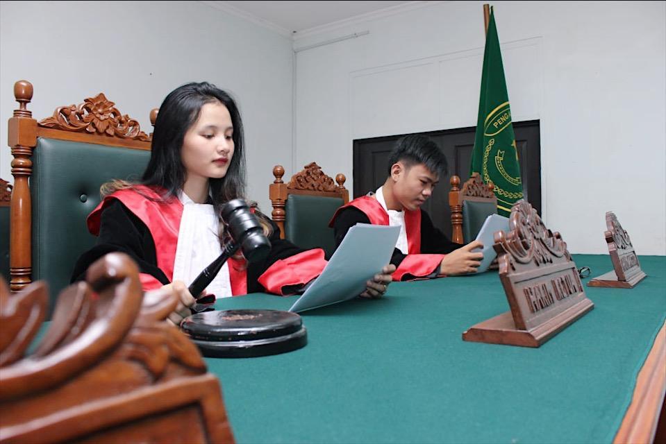 mahasiswa hukum sahid
