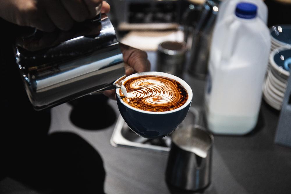 meracik kopi